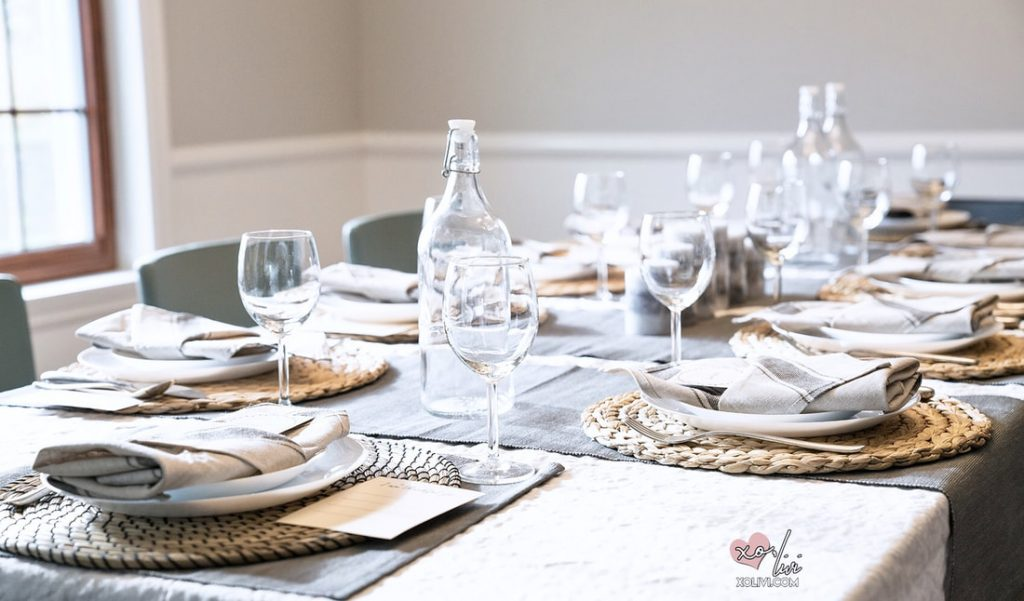 Thanksgiving Table Setup + FREE Place Cards Printables