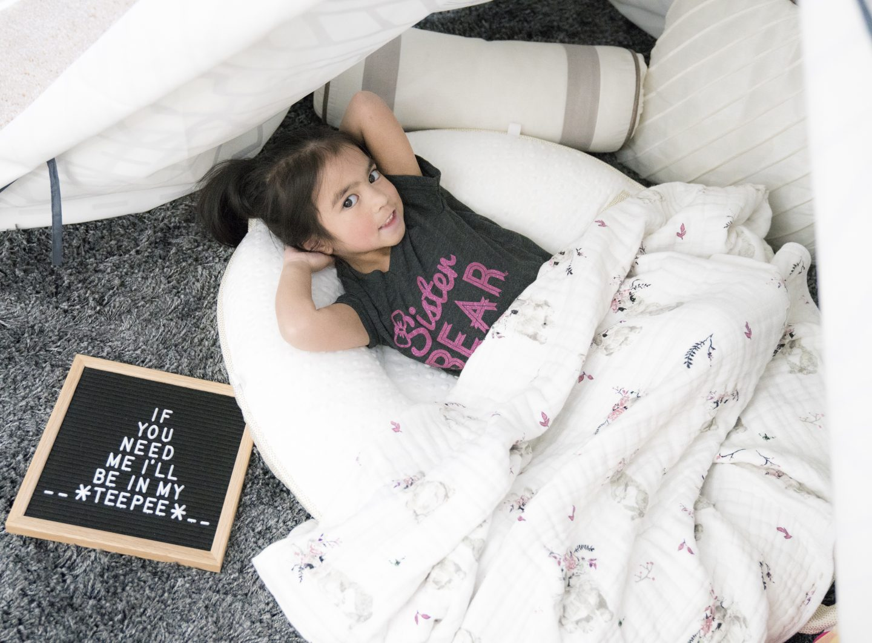 pello baby oval floor pillow